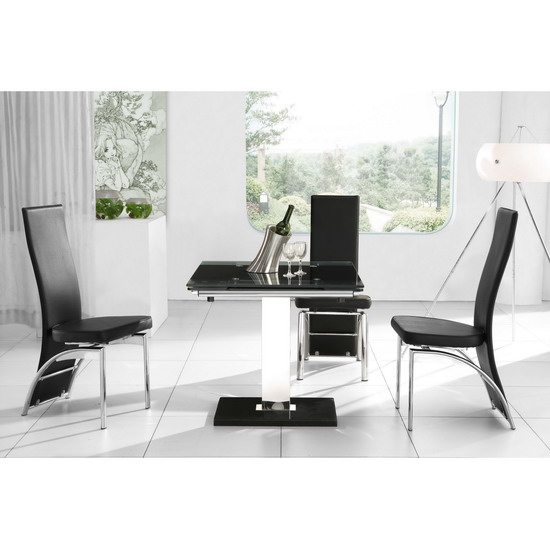 Nitro Extendable Dining Table with 4 D212 Dining Chairs