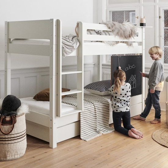 Morden Kids Bunk Bed With Safety Rail And Drawers In Snow White