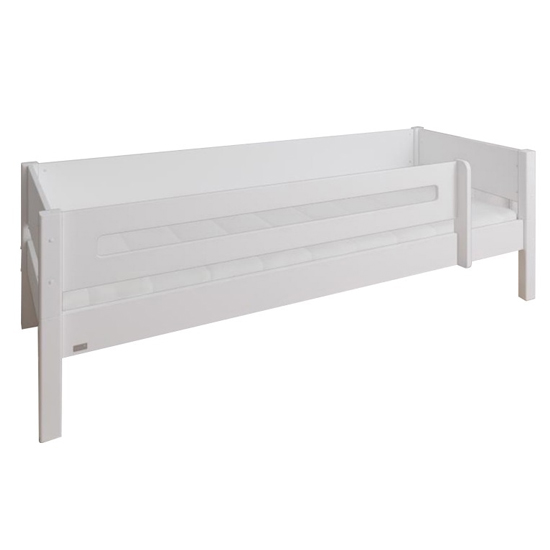 Morden Kids Wooden Day Bed In White And Snow White Saftey Rail_3