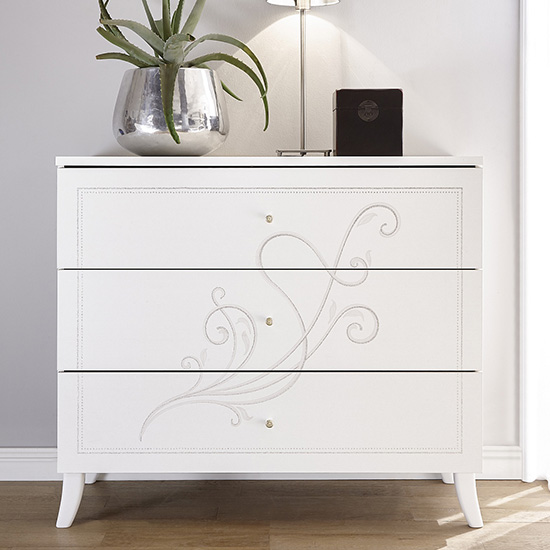 Nevea Wooden Chest Of Drawers In Serigraphed White