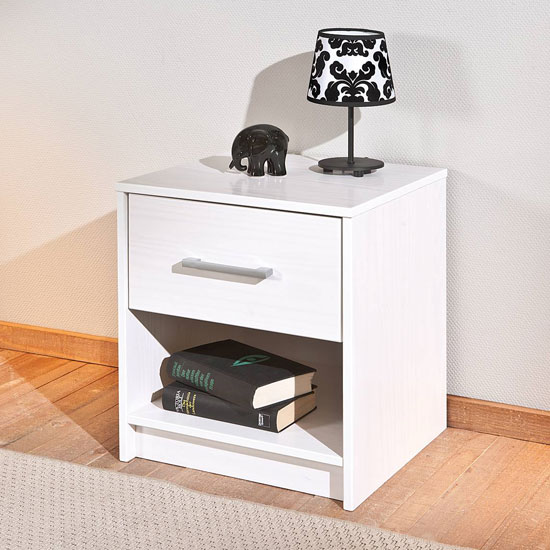New York Wooden Bedside Cabinet In White With 1 Drawer