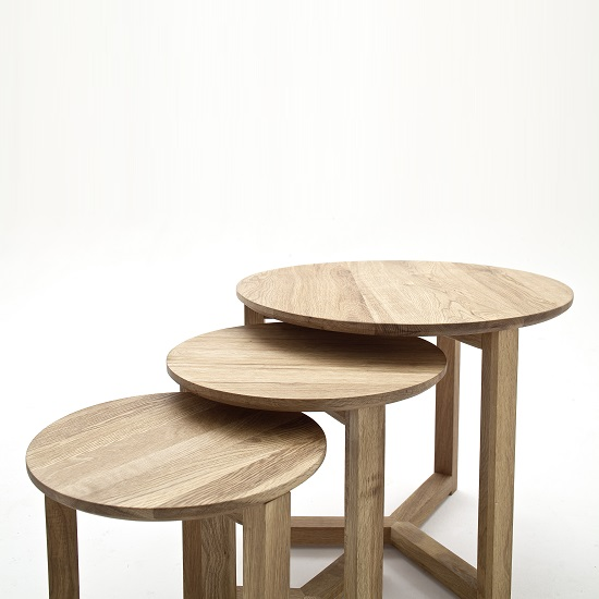 Olena Wooden Set Of 3 Coffee Tables In Knotty Oak_3