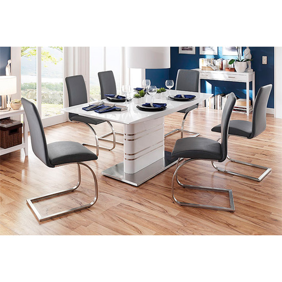 Modus Extendable Dining Table With 6 Maui Black Chairs