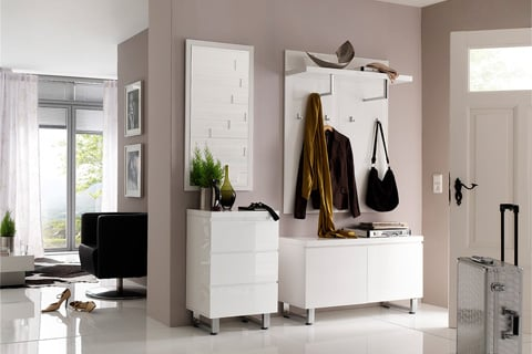 How To Furnish An Empty Space: 4 Easiest Solutions