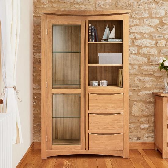 Seldon Display Cabinet In Oak With 1 Door With Light