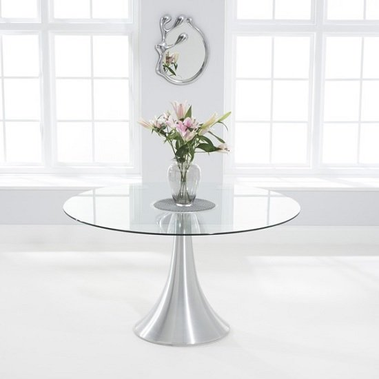 Sparta round glass dining table in clear with chrome base for Round glass and chrome dining table
