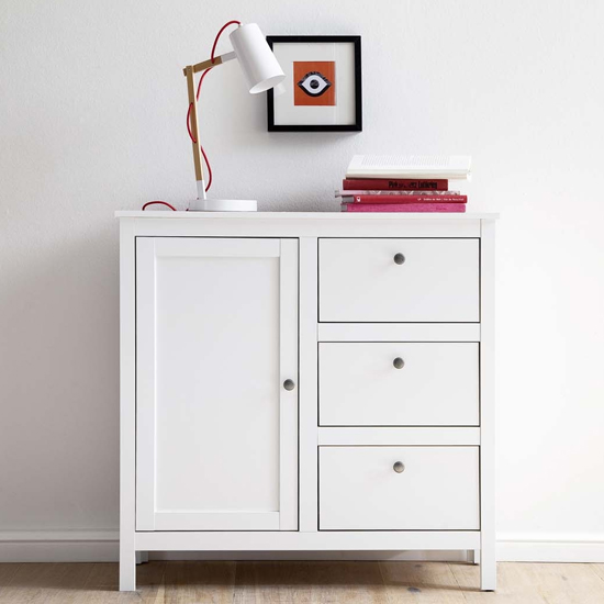 Valdo Wooden Sideboard In White With 1 Door 3 Drawers
