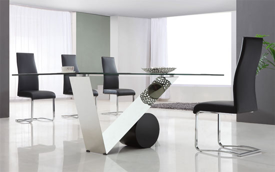 Eugenio Clear Glass Large Dining Table 13509 Furniture in : valentinodiningtableadd  from www.furnitureinfashion.net size 550 x 344 jpeg 26kB