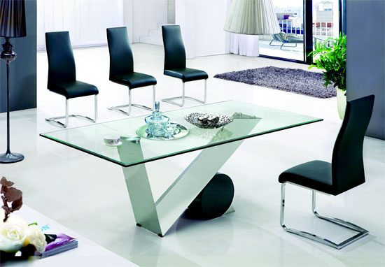 Eugenio Clear Glass Dining Table And 4 Leather Chairs