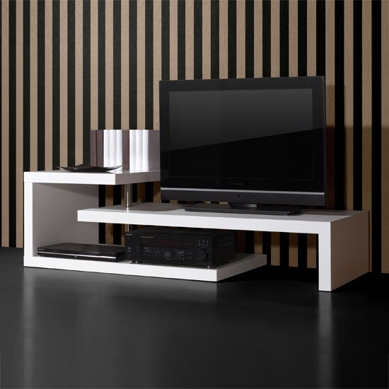 white high gloss furniture 0397 84 - How To Decorate A Room To Make It Look Bigger