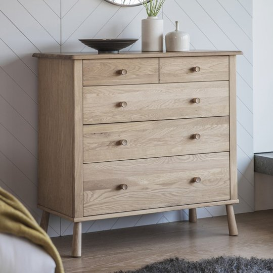 Wycombe Chest Of Drawers In Oak With 5 Drawers
