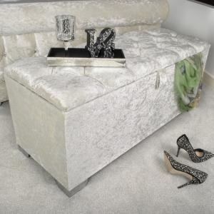 Baxey Crystal Ottoman Large In Crushed Pearl Velvet