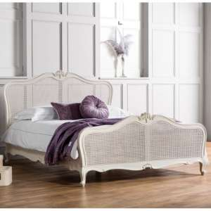 Chic Wooden King Size Bed In Vanilla White