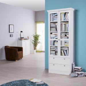 Country Glass Display Cabinet In White With 2 Doors