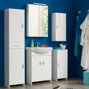 Wilmore Bathroom Set In White With High Gloss Fronts And LED
